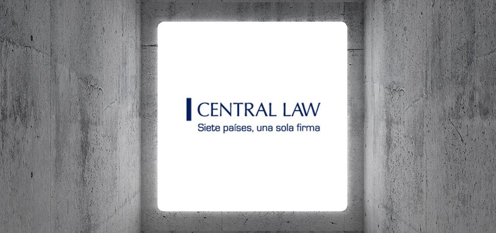 Reconocimiento Empresarial A Yali Molina, Socio De Central Law